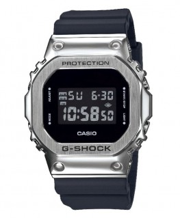 Montre Casio G-Shock Digitale GM-5600-1ER