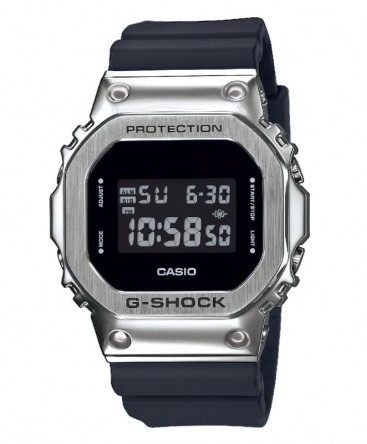 montre-casio-g-shock-digitale-noire-ref_GM-5600-1ER